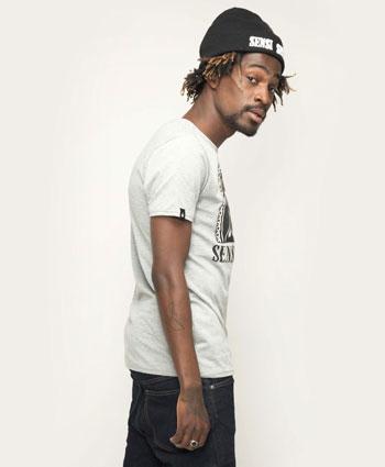 Locker unterwegs mit dem Sensi Seeds Original Logo T-Shirt