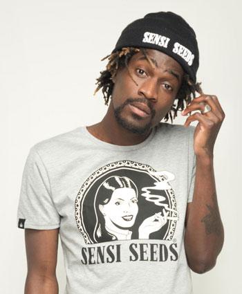 Ponte el Sensi Seeds Beanie para salir por ahí
